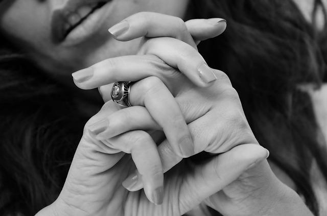 tělové nehty
