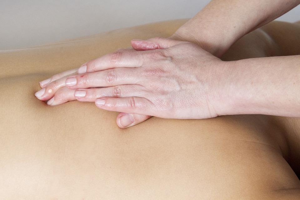 ruky, telo, masáž