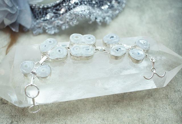 solar-quartz-665491_640